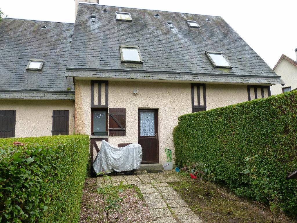 Achat Maison 4 pièces à Villers-sur-Mer - vignette-1