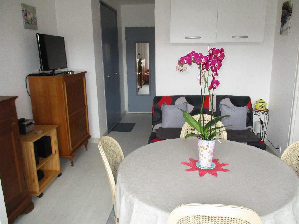 Achat Appartement 2 pièces à Merville-Franceville-Plage - vignette-8
