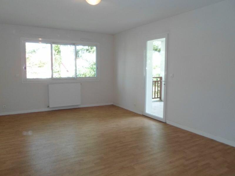 Location Appartement 2 pièces à Cambo-les-Bains - vignette-2