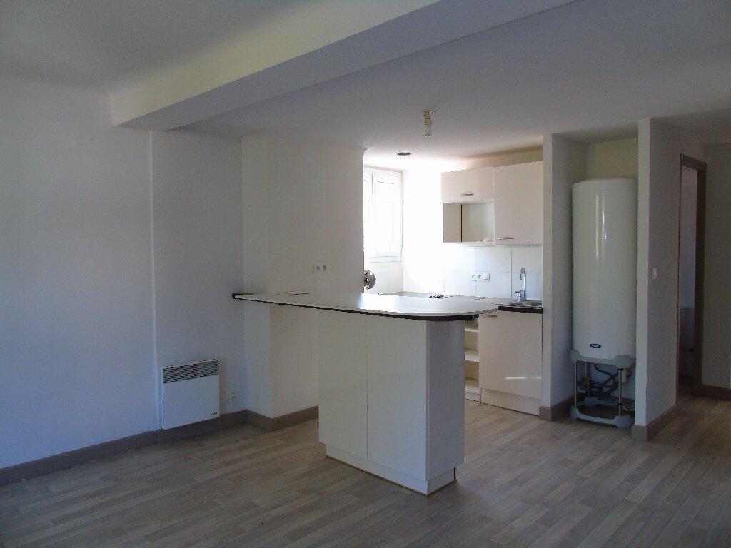 Location Appartement 3 pièces à Cambo-les-Bains - vignette-2