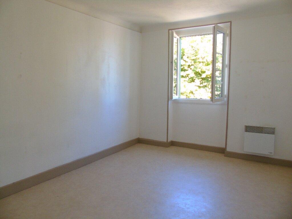 Location Appartement 3 pièces à Cambo-les-Bains - vignette-4