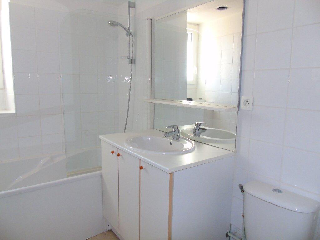 Location Appartement 3 pièces à Cambo-les-Bains - vignette-6