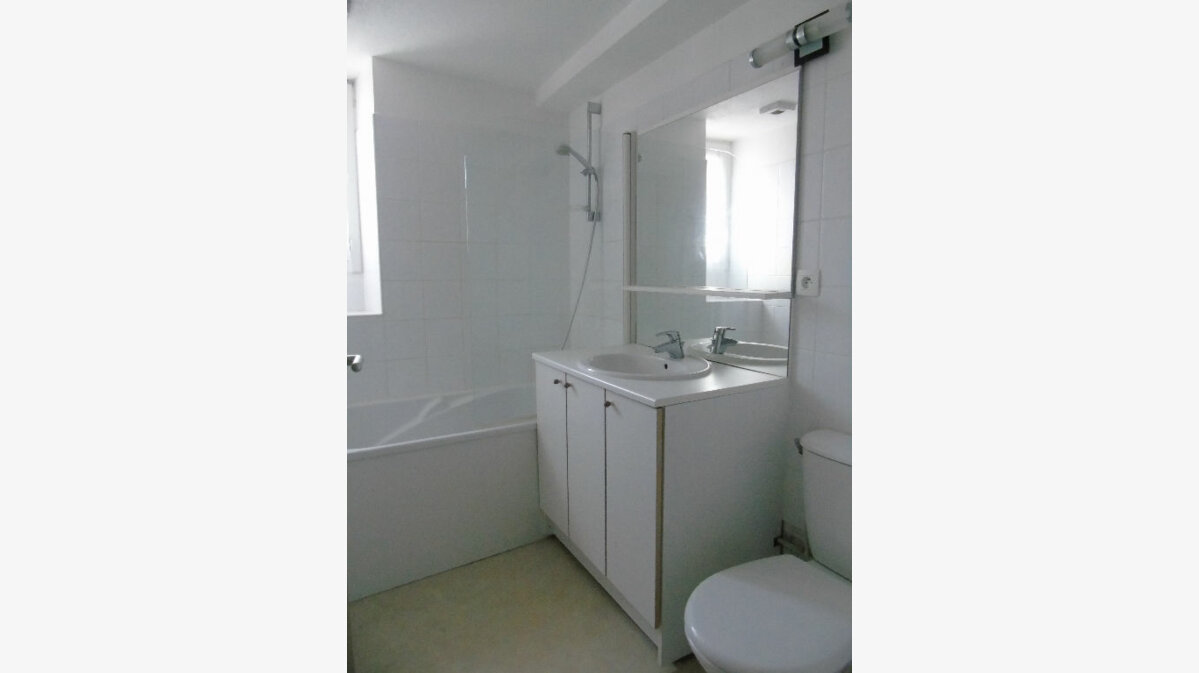 Location Appartement 3 pièces à Cambo-les-Bains - vignette-7