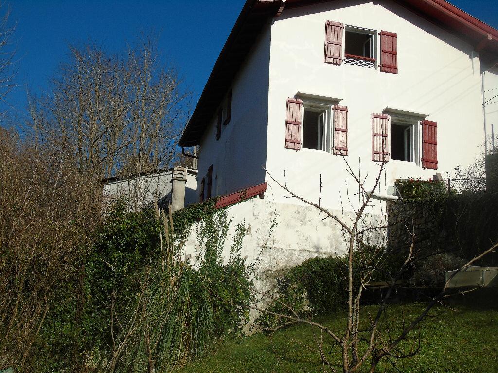 Achat Maison 5 pièces à Cambo-les-Bains - vignette-1