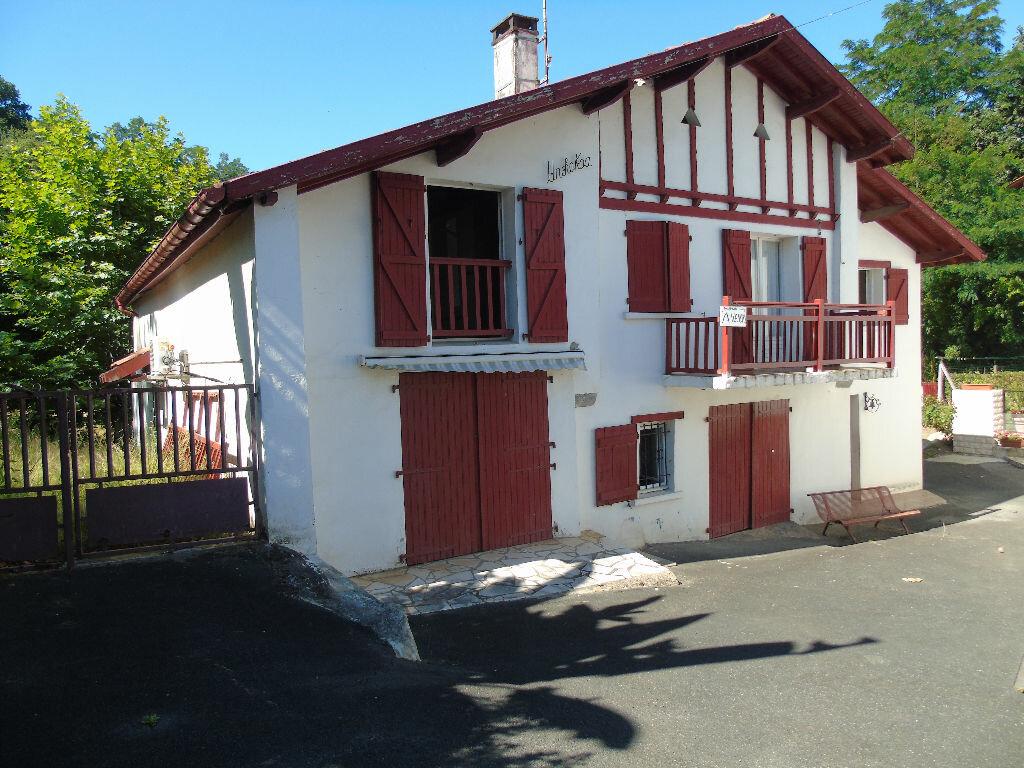 Achat Maison 8 pièces à Cambo-les-Bains - vignette-1