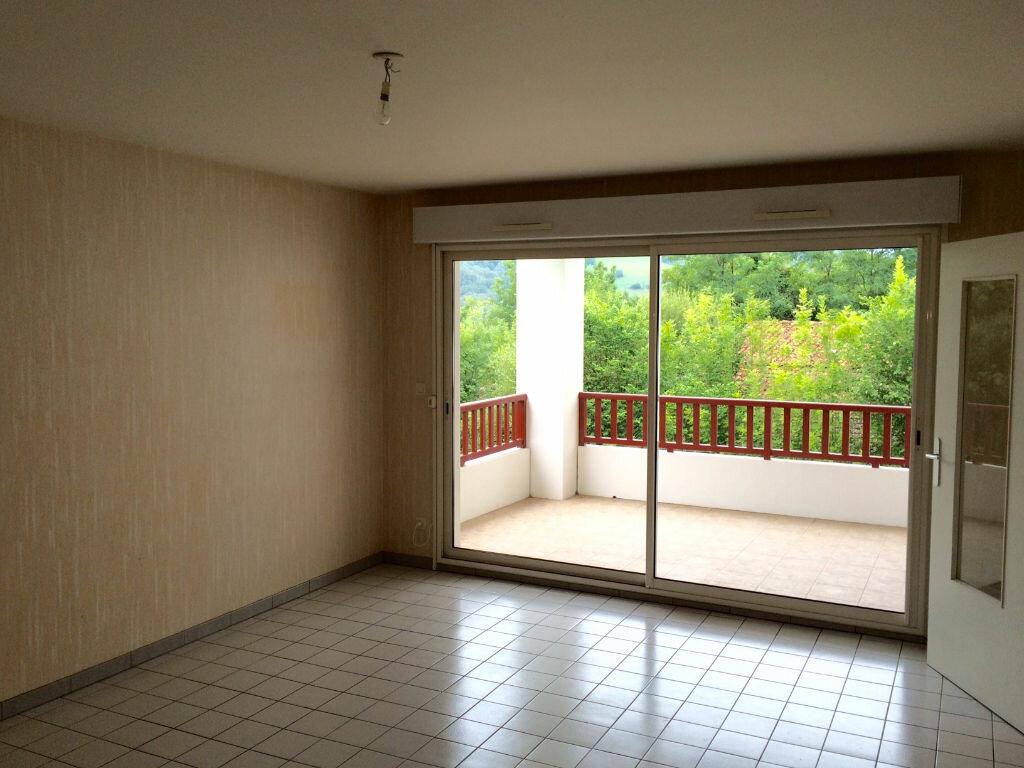 Achat Appartement 3 pièces à Cambo-les-Bains - vignette-2