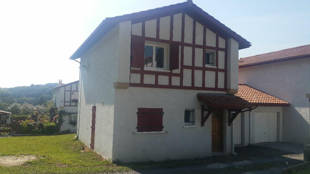 Achat Maison 4 pièces à Cambo-les-Bains - vignette-1