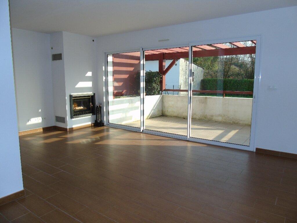 Location Appartement 3 pièces à Halsou - vignette-1