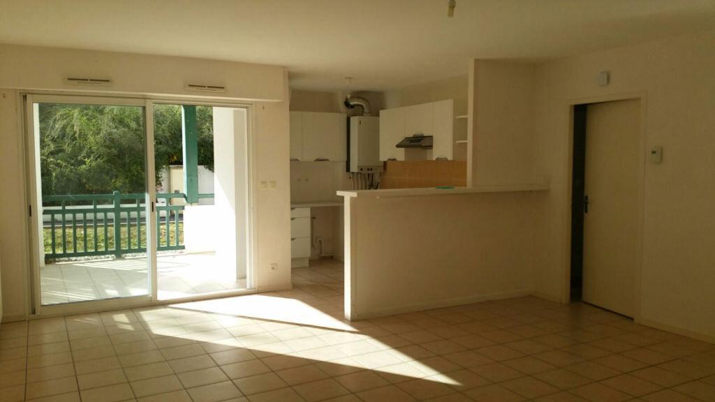 Achat Appartement 3 pièces à Cambo-les-Bains - vignette-1