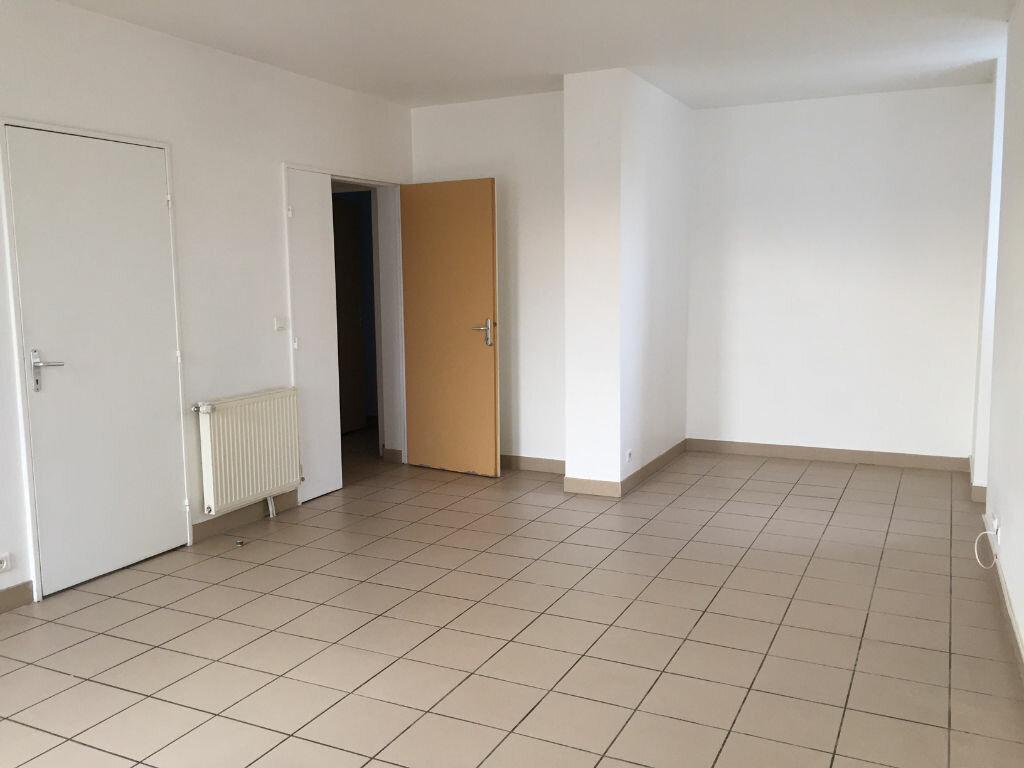 Location Appartement 4 pièces à Urt - vignette-1