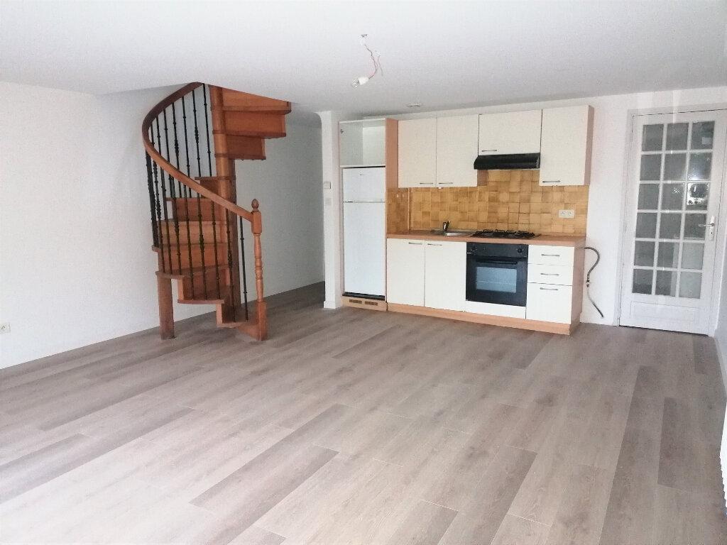 Location Appartement 3 pièces à Urt - vignette-1