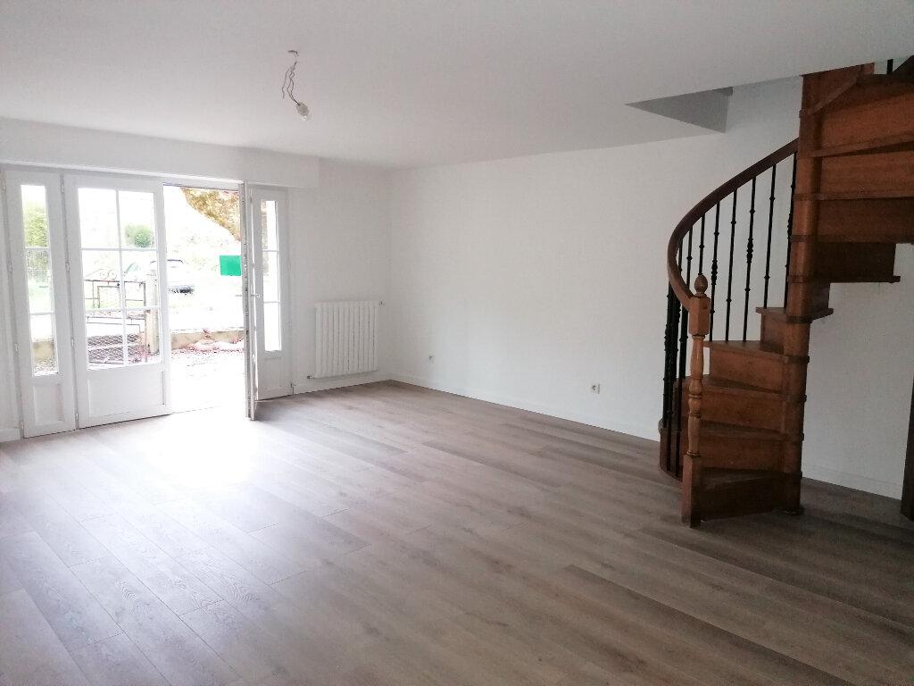 Location Appartement 3 pièces à Urt - vignette-3