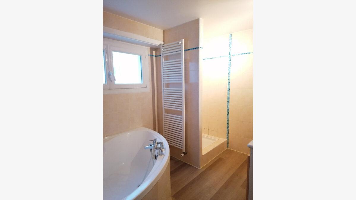 Location Appartement 3 pièces à Urt - vignette-4
