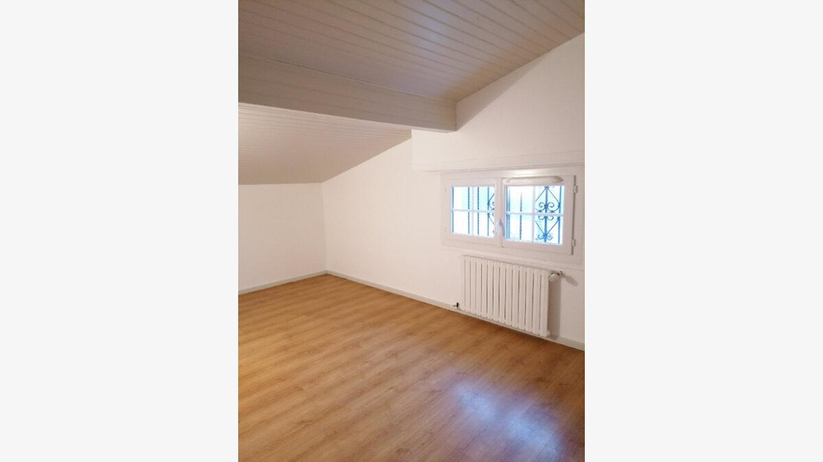 Location Appartement 3 pièces à Urt - vignette-5