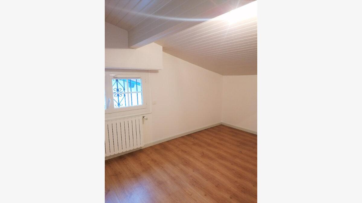 Location Appartement 3 pièces à Urt - vignette-6