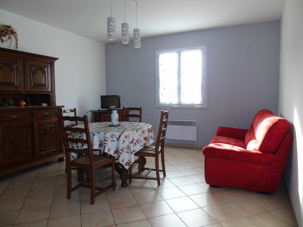 Location Appartement 3 pièces à Hélette - vignette-3
