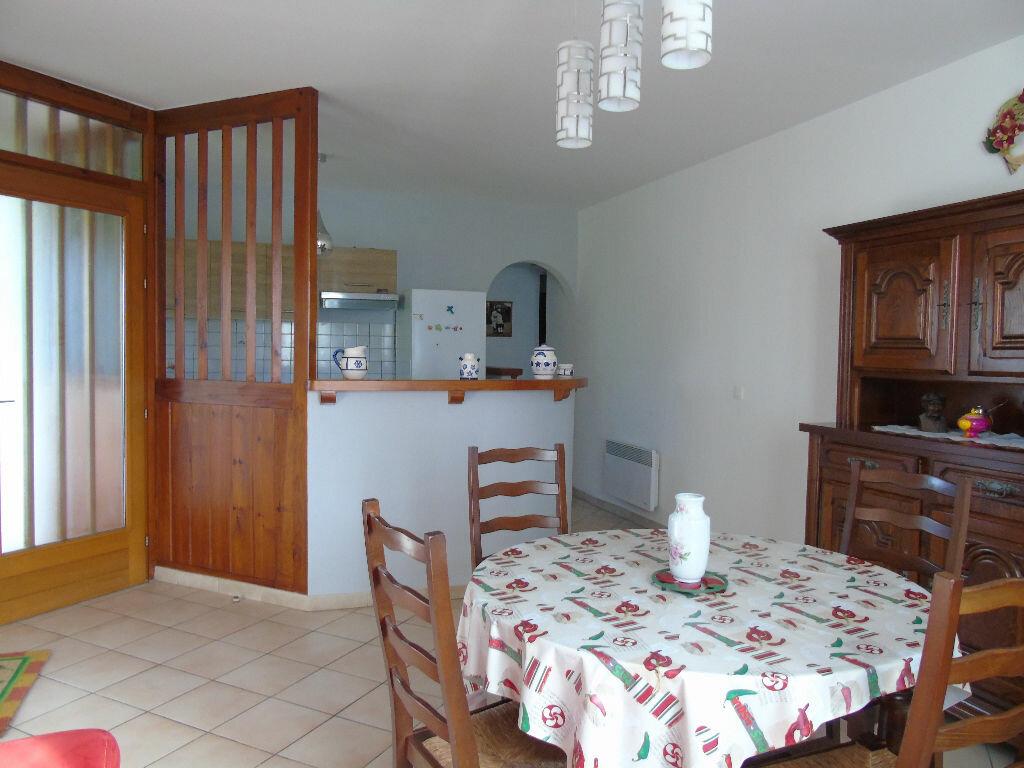 Location Appartement 3 pièces à Hélette - vignette-4