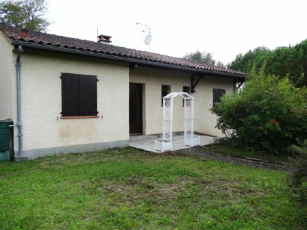 Location Maison 4 pièces à Albi - vignette-1