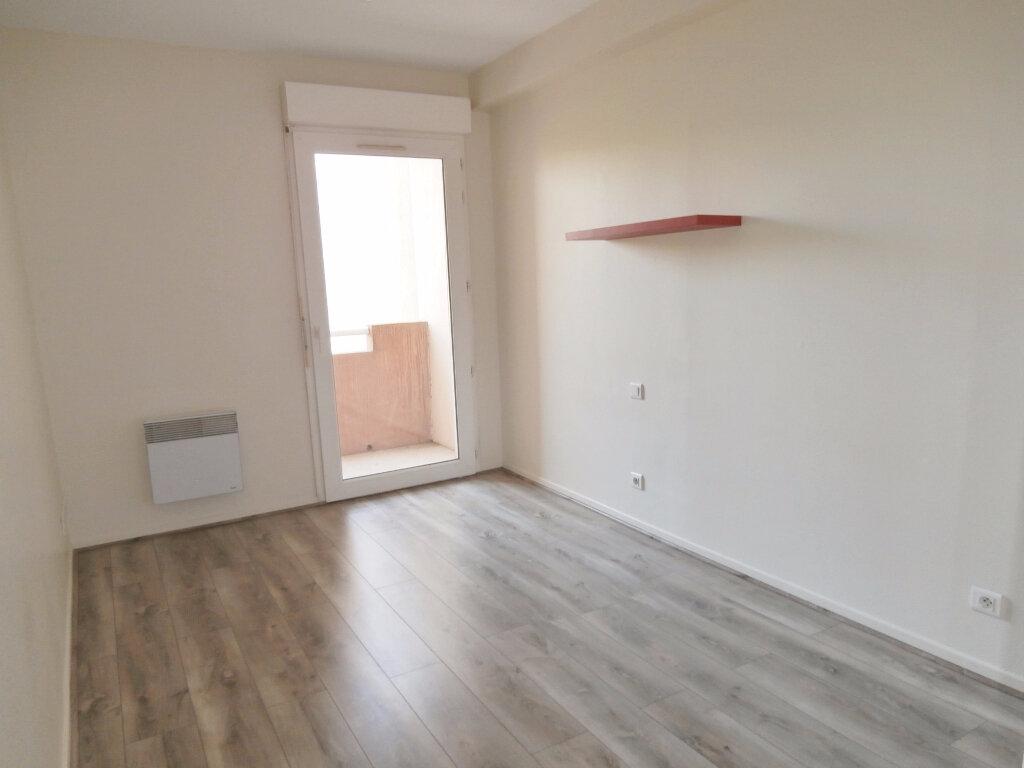Location Appartement 1 pièce à Albi - vignette-2