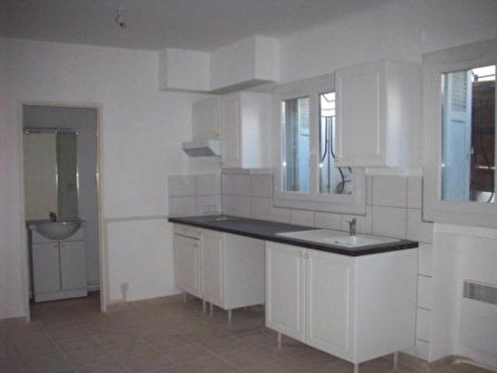 Location Appartement 1 pièce à Miramas - vignette-1