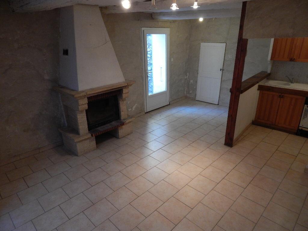 Location Maison 3 pièces à Eyguières - vignette-1