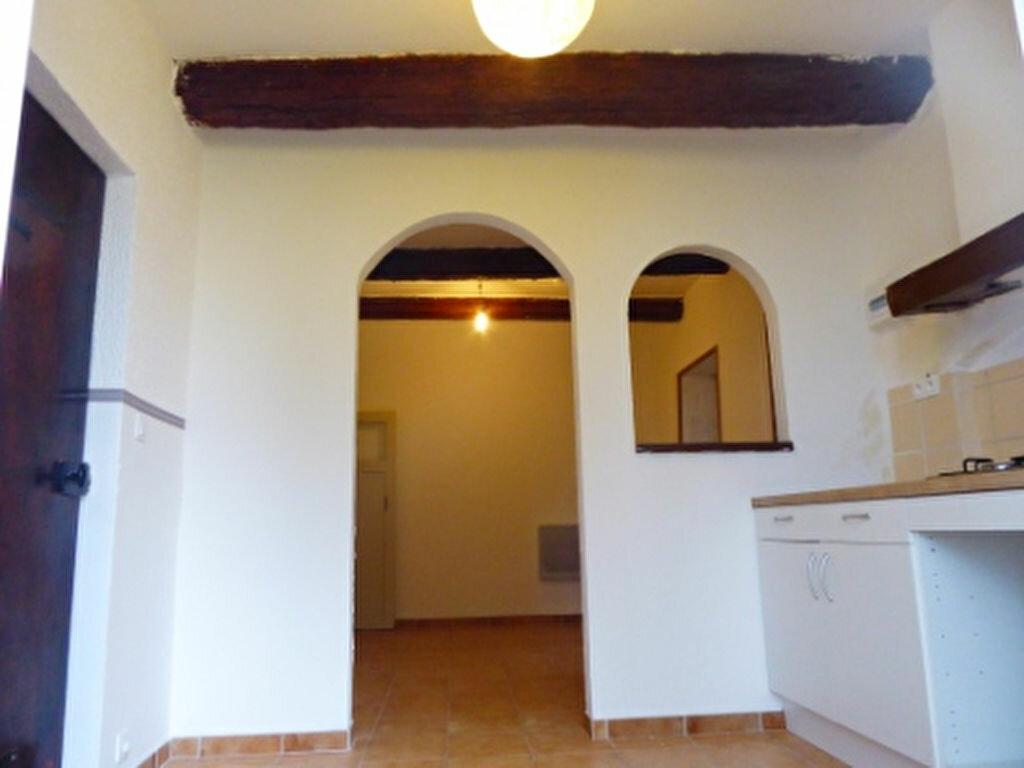 Location Appartement 2 pièces à Saint-Chamas - vignette-3