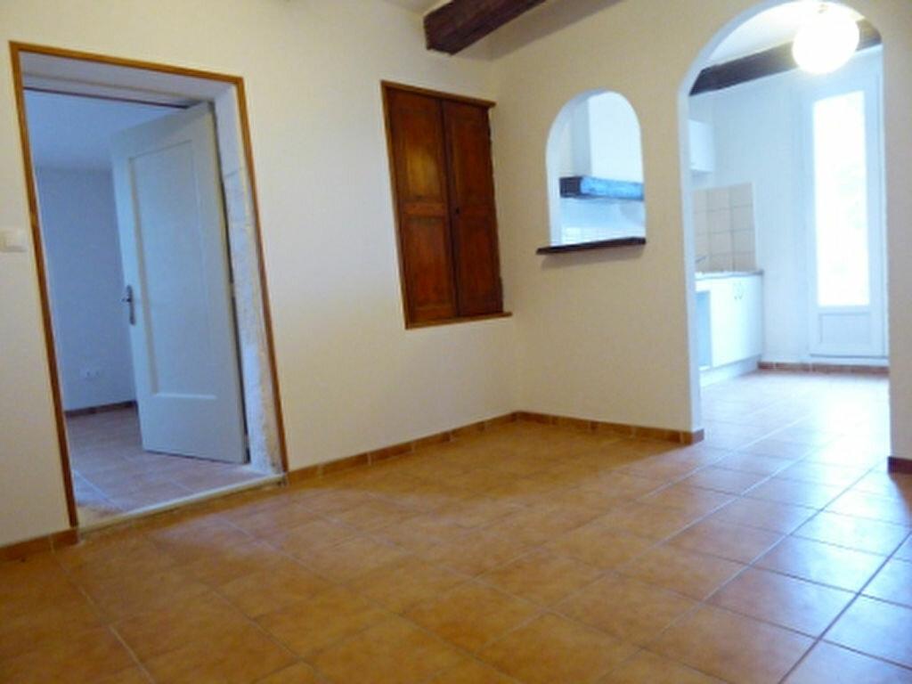 Location Appartement 2 pièces à Saint-Chamas - vignette-4