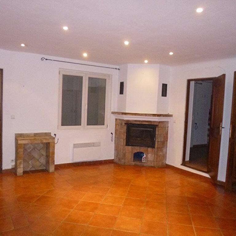 Location Appartement 3 pièces à Lançon-Provence - vignette-1