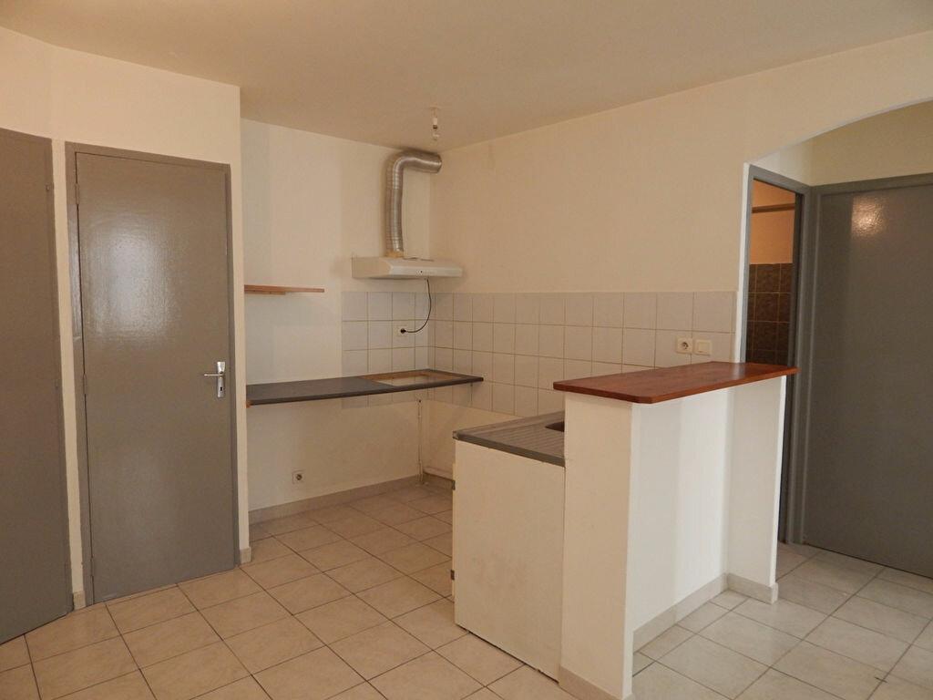 Location Appartement 2 pièces à Alleins - vignette-1