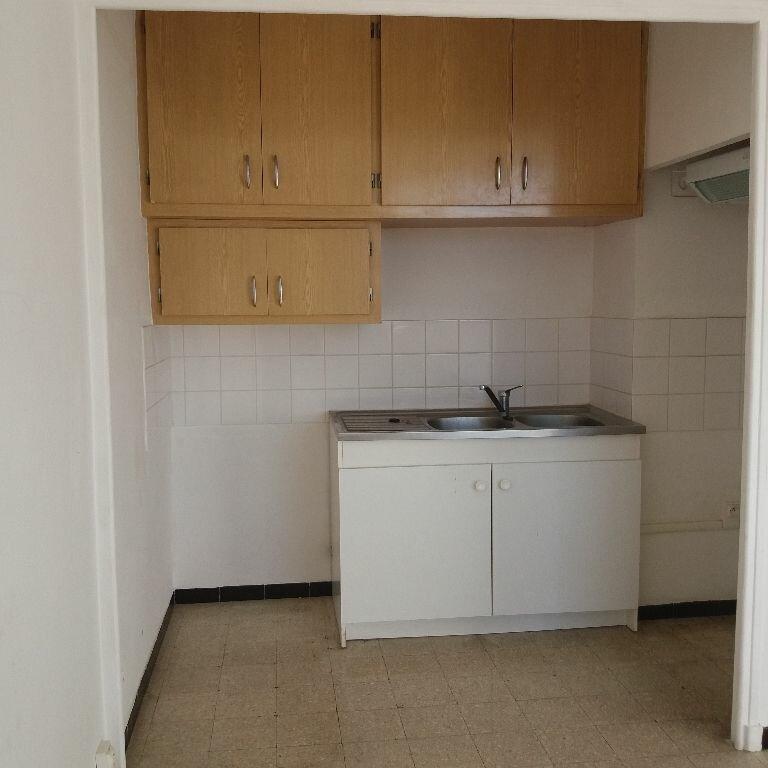Location Appartement 2 pièces à Miramas - vignette-2