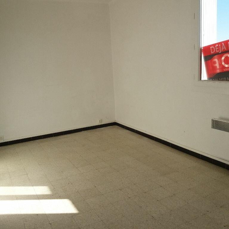 Location Appartement 2 pièces à Miramas - vignette-3