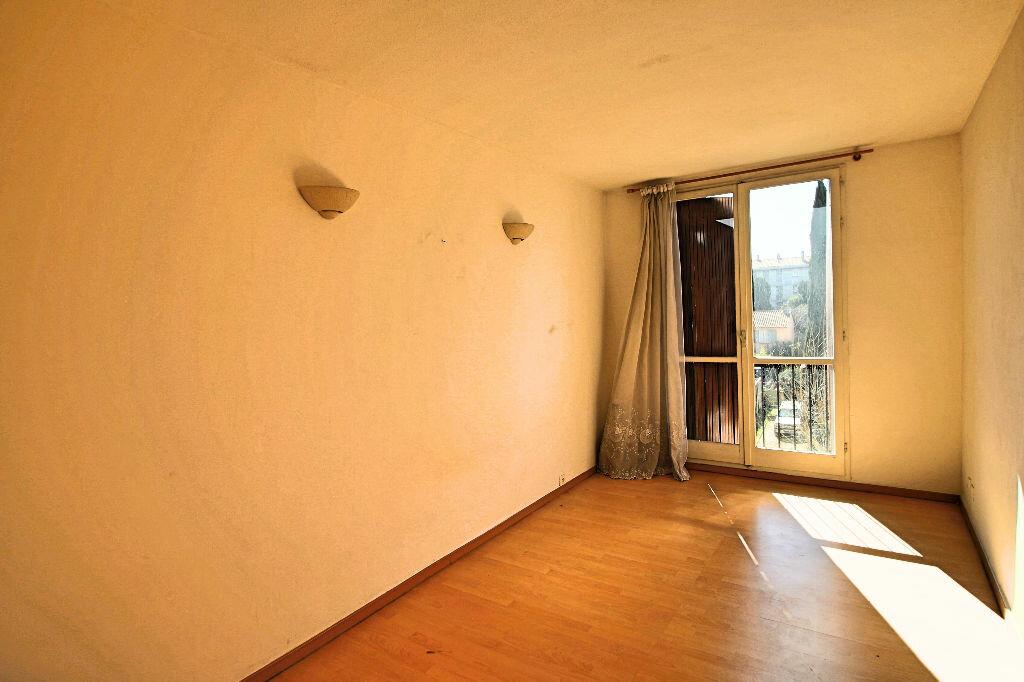 Achat Appartement 3 pièces à Salon-de-Provence - vignette-6