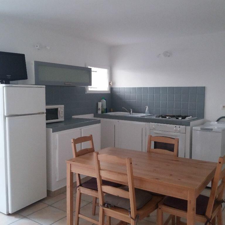 Location Appartement 2 pièces à Istres - vignette-2