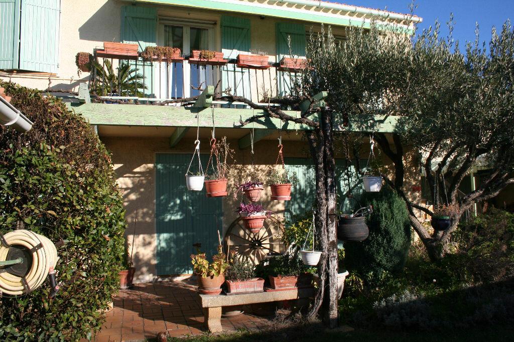 Achat Maison 8 pièces à Saint-Martin-de-Crau - vignette-3