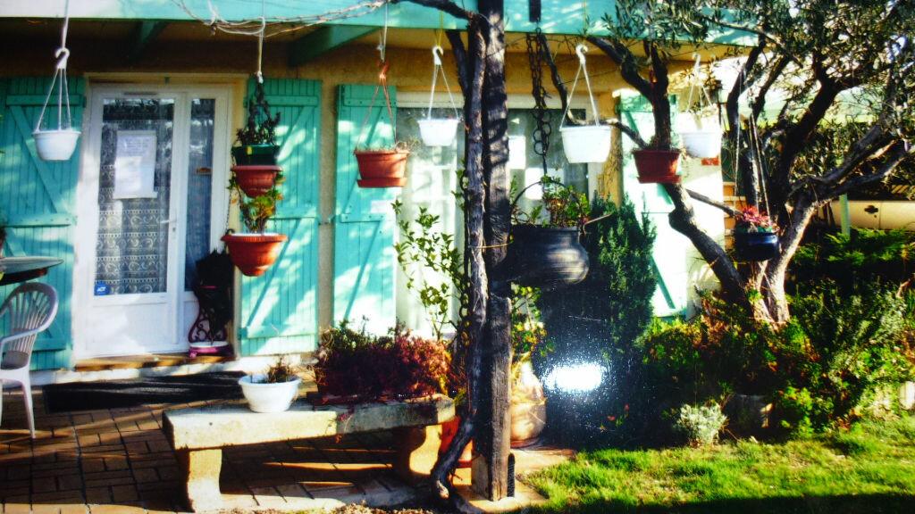 Achat Maison 8 pièces à Saint-Martin-de-Crau - vignette-5