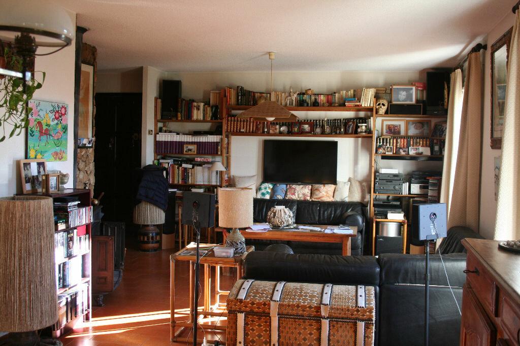 Achat Maison 8 pièces à Saint-Martin-de-Crau - vignette-10
