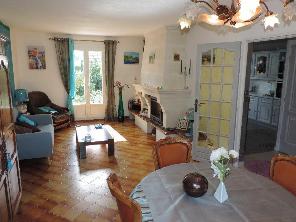 Achat Maison 4 pièces à Saint-Martin-de-Crau - vignette-3