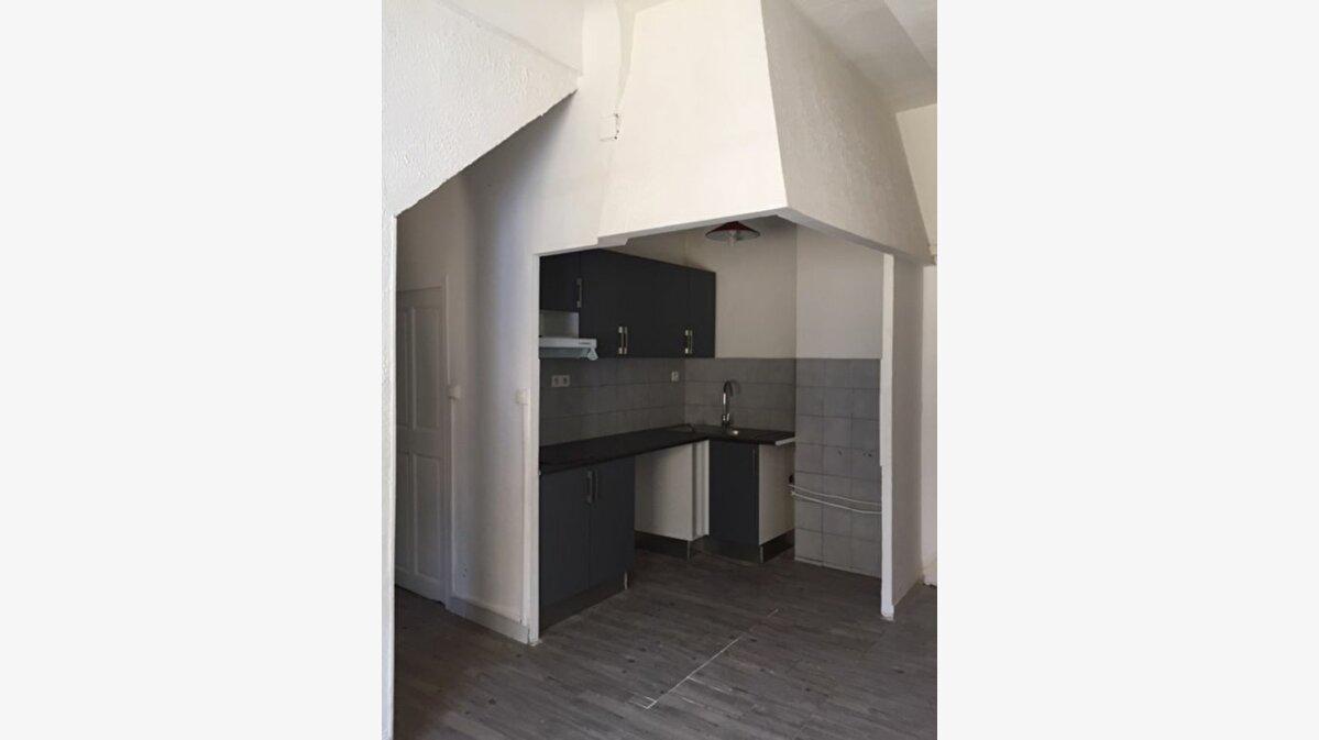 Location Appartement 3 pièces à Saint-Chamas - vignette-2