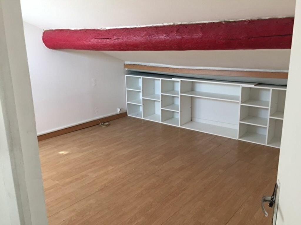 Location Appartement 3 pièces à Saint-Chamas - vignette-3