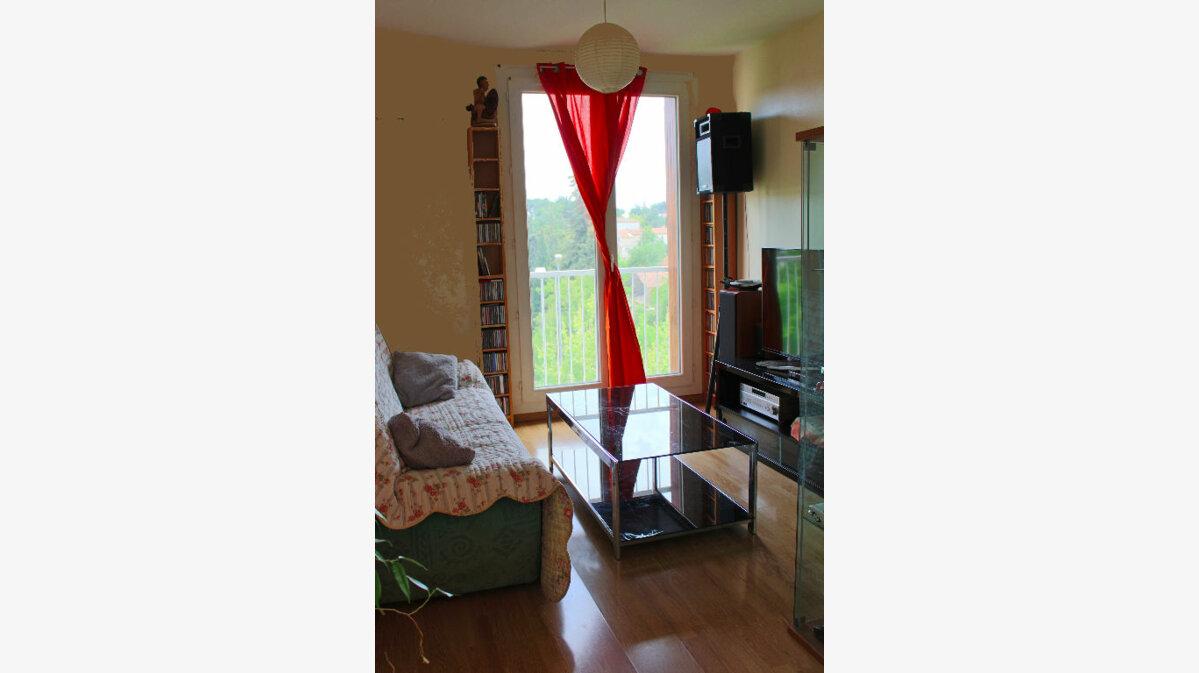 Achat Appartement 3 pièces à Salon-de-Provence - vignette-2