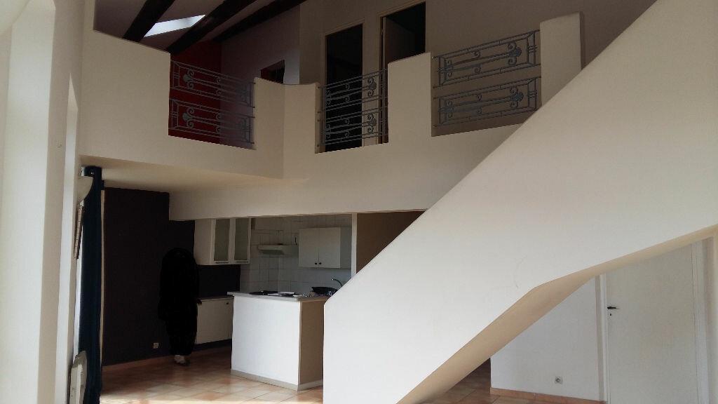 Location Appartement 3 pièces à Salon-de-Provence - vignette-1