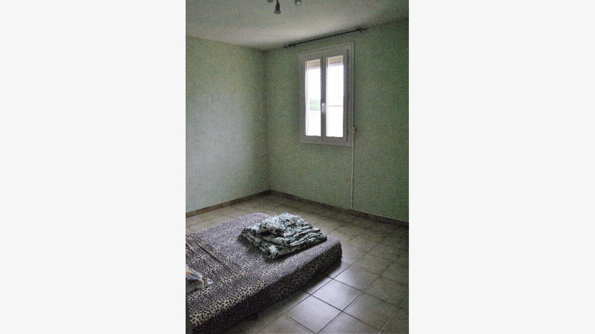 Achat Maison 5 pièces à Saint-Martin-de-Crau - vignette-5