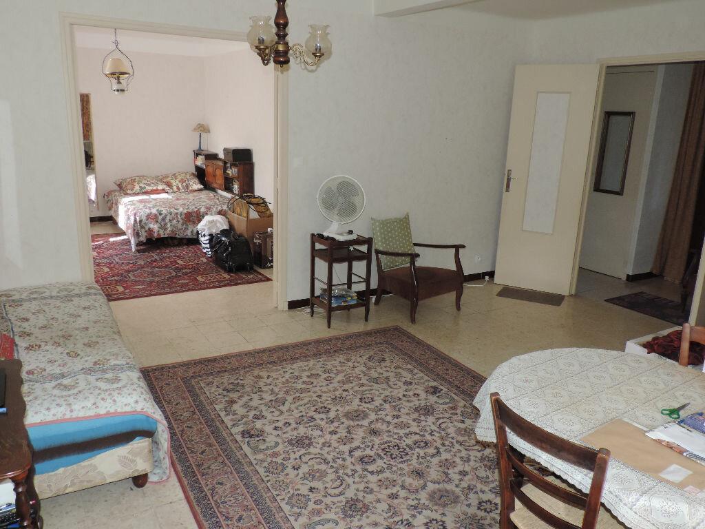 Achat Appartement 2 pièces à Saint-Martin-de-Crau - vignette-1