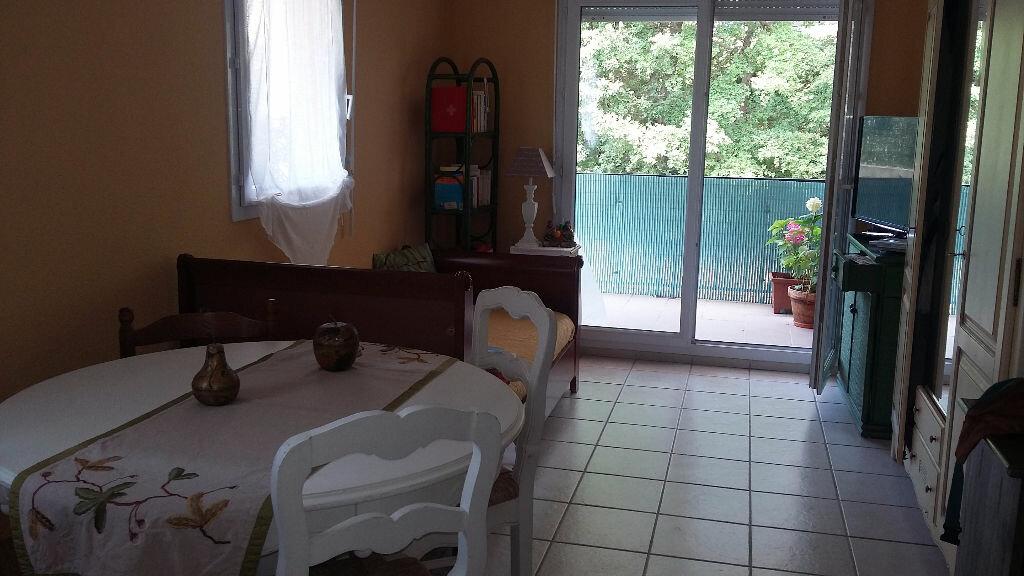 Achat Appartement 2 pièces à La Roque-d'Anthéron - vignette-1