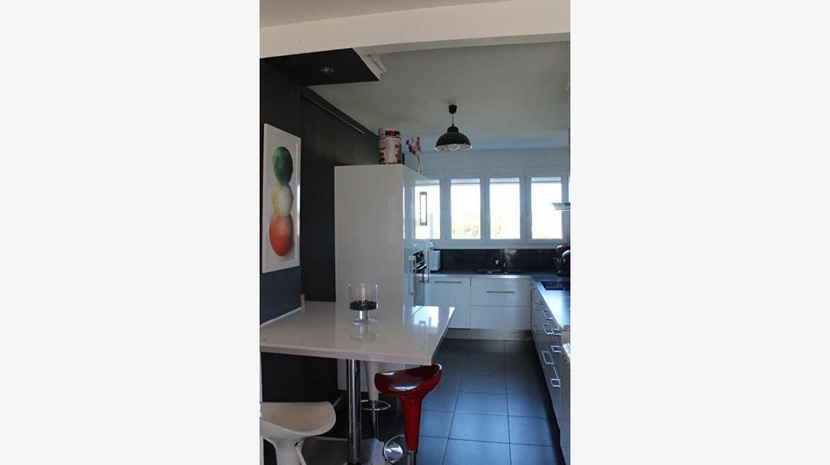 Achat Appartement 4 pièces à Istres - vignette-1