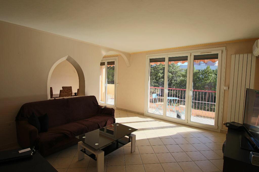 Location Appartement 4 pièces à Istres - vignette-1