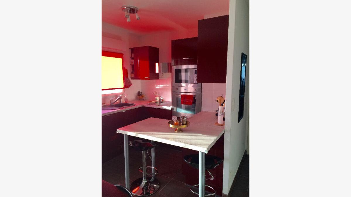 Achat Appartement 3 pièces à Saint-Martin-de-Crau - vignette-3