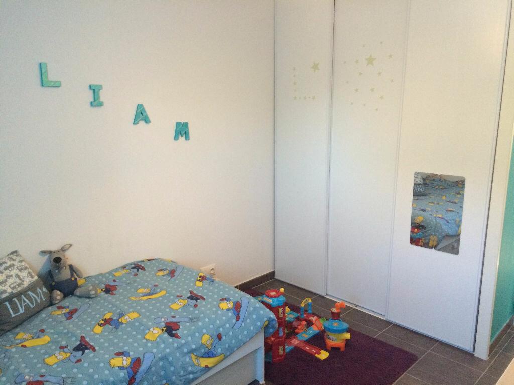 Achat Appartement 3 pièces à Saint-Martin-de-Crau - vignette-4