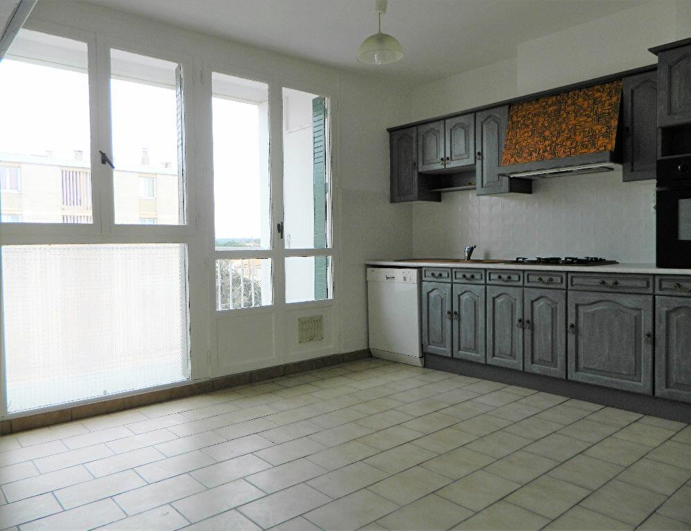 Achat Appartement 4 pièces à Miramas - vignette-2