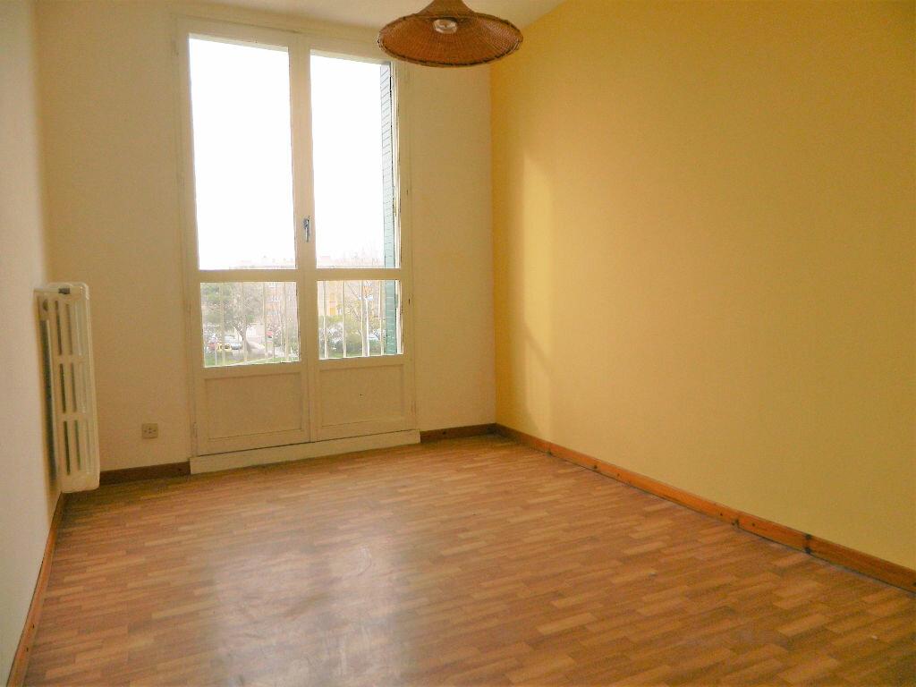 Achat Appartement 4 pièces à Miramas - vignette-3